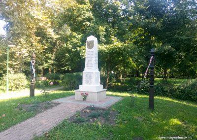 Sátorhely világháborús emlékmű 2014.09.09. felújítás után küldő-KRYSZ (6)
