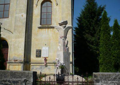Sávoly világháborús emlékmű 2009.06.09.küldő-Sümec