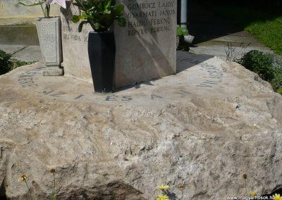 Sávoly világháborús emlékmű 2009.06.09.küldő-Sümec (5)
