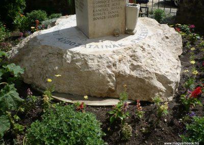 Sávoly világháborús emlékmű 2009.06.09.küldő-Sümec (6)
