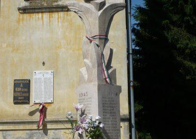 Sávoly világháborús emlékmű 2009.06.09.küldő-Sümec (7)
