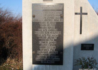 Sóshartyán II.vh emlékmű 2011.03.12. küldő-kalyhas (2)