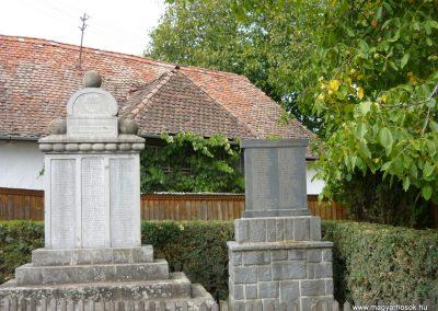 Sóvárad világháborús emlékművek 2009.08.23.küldő-Ágca (4)
