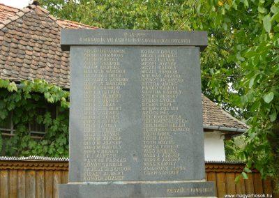 Sóvárad világháborús emlékművek 2009.08.23.küldő-Ágca (6)