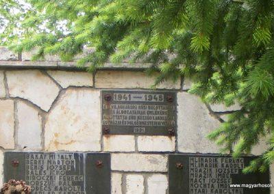 Súr II. világháborús emlékmű 2013.05.18. küldő-Méri (1)