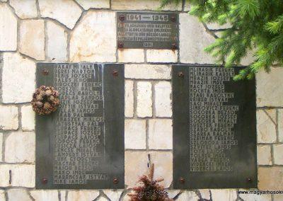 Súr II. világháborús emlékmű 2013.05.18. küldő-Méri (4)