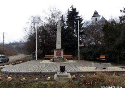 Sülysáp világháborús emlékmű 2015.01.17. küldő-kalyhas