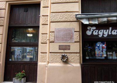 Sümeg I. világháborús emléktábla a Kisfaludi Vendégház falán. 2015.07.25. küldő-Méri