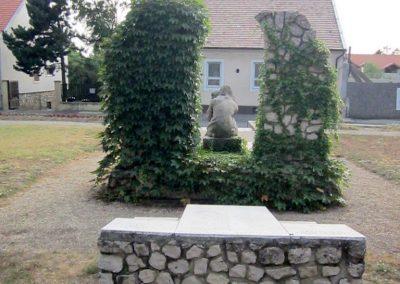 Sümeg II.világháborús emlékmű 2013.08.22. küldő-kalyhas (1)