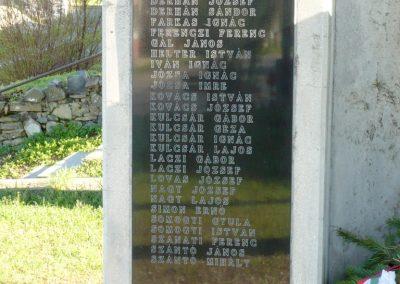 Sümegcsehi világháborús emlékmű 2013.04.14. küldő-Sümec (3)