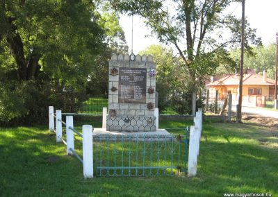 Sajóörös világháborús emlékmű 2007.09.24.küldő-Kályhás