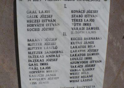 Sajóbábony világháborús emlékmű 2009.07.27.küldő-Gombóc Arthur (2)