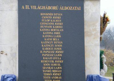 Sajóecseg világháborús emlékmű 2011.02.20. küldő-Röghegyiné Spisák Anita (5)
