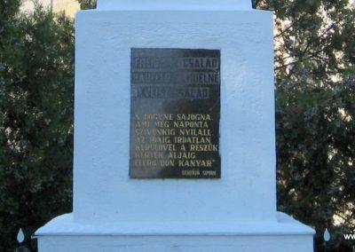 Sajóhidvég világháborús emlékmű 2007.09.24. küldő-Kályhás (3)