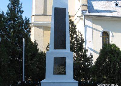 Sajóhidvég világháborús emlékmű 2007.09.24. küldő-Kályhás