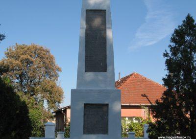 Sajóhidvég világháborús emlékmű 2007.09.24. küldő-Kályhás (5)