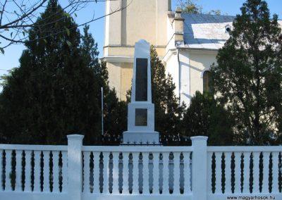 Sajóhidvég világháborús emlékmű 2007.09.24. küldő-Kályhás (8)