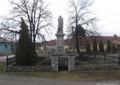 Sajókaza világháborús emlékmű 2008.03.02.küldő-Kályhás