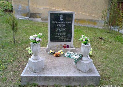 Sajólászlófalva II.világháborús emlékmű 2012.04.19. küldő-Pataki Tamás