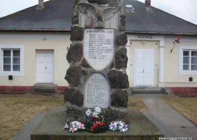 Sajómercse világháborús emlékmű 2008.03.02. küldő-Kályhás (1)