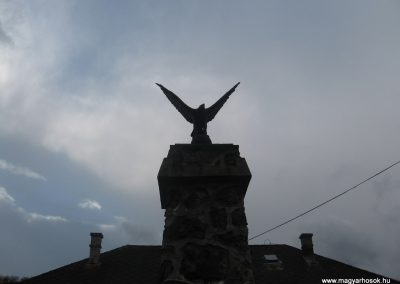 Sajómercse világháborús emlékmű 2008.03.02. küldő-Kályhás (2)