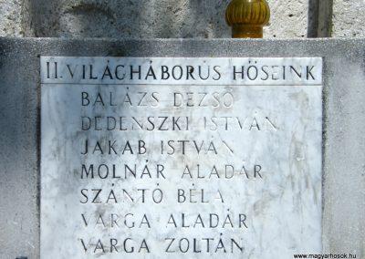 Sajópüspöki világháborús emlékmű 2011.06.12. küldő-Röghegyiné Spisák Anita (4)
