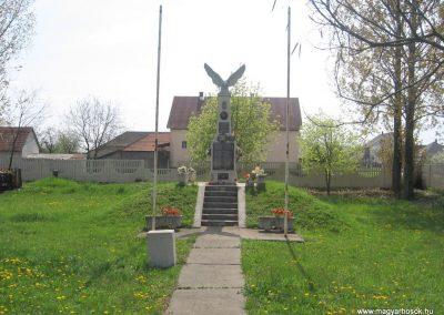 Sajópetri világháborús emlékmű 2008.04.21.külő-Kályhás