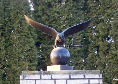 Sajtoskál világháborús emlékmű 2008.02.19. küldő-Horváth Zsolt (1)