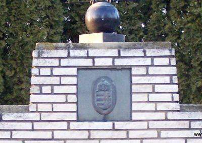 Sajtoskál világháborús emlékmű 2008.02.19. küldő-Horváth Zsolt (2)