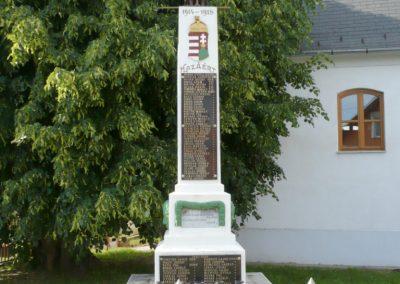 Sand világháborús emlékmű 2013.05.26. küldő-Sümec (2)