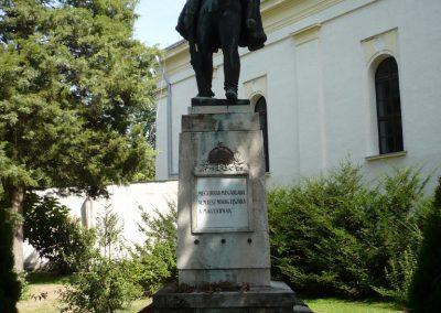 Sarkad I.vh emlékmű 2009.07.27.küldő-Sümec