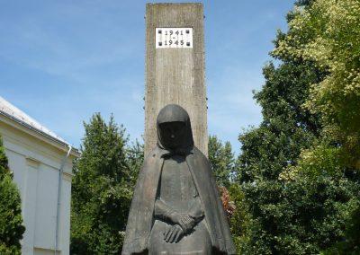 Sarkad II.vh emlékmű 2009.07.27.küldő-Sümec (1)