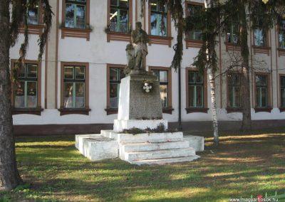 Sarud Hősi emlékmű 2008.02.25. küldő-kalyhas