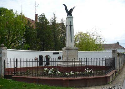 Segesd világháborús emlékmű 2009.04.21. küldő-Sümec