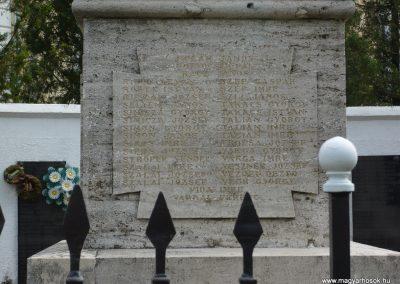 Segesd világháborús emlékmű 2009.04.21. küldő-Sümec (5)