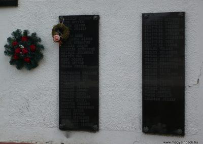 Segesd világháborús emlékmű 2009.04.21. küldő-Sümec (9)