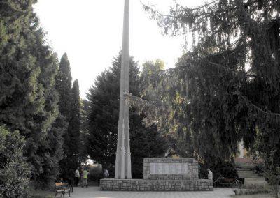 Sellye világháborús emlékmű 2012.08.01. küldő-KRySZ (8)