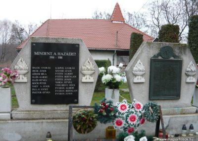 Semjén világháborús emlékmű 2009.12.08. küldő-Ágca (1)
