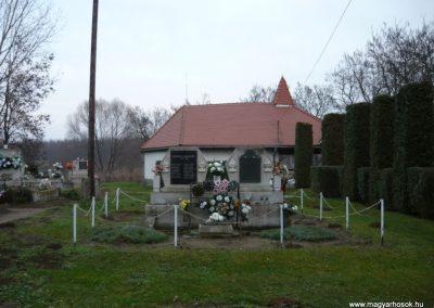 Semjén világháborús emlékmű 2009.12.08. küldő-Ágca