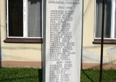 Semjénháza világháborús emlékmű 2010.07.14. küldő-Sümec (1)