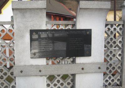 Serényfalva világháborús emlékmű 2008.03.02.küldő-Kályhás (3)