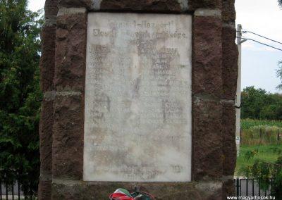 Sikátor világháborús emlékmű 2010.07.23. küldő-kalyhas (2)