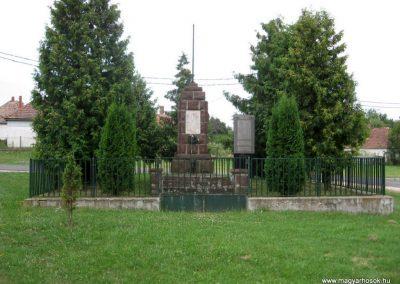 Sikátor világháborús emlékmű 2010.07.23. küldő-kalyhas