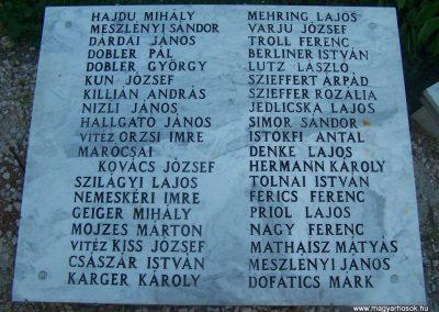 Siklós világháborús emlékmű 2009.05.26.küldő-Horváth Zsolt (3)