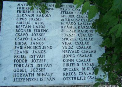 Siklós világháborús emlékmű 2009.05.26.küldő-Horváth Zsolt (4)