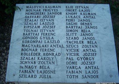 Siklós világháborús emlékmű 2009.05.26.küldő-Horváth Zsolt (7)