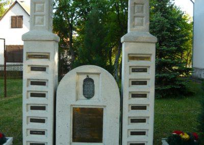 Sima világháborús emlékmű21009.05.09.küldő-Ágca (1)