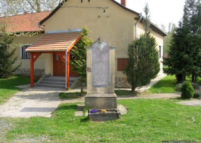 Simonfa I.vh emlékmű 2011.04.23. küldő-kalyhas