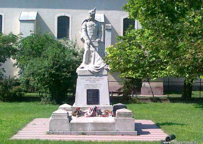 Solt I.vh emlékmű 2010.07.13 küldő-Csiszár Lehel (10)