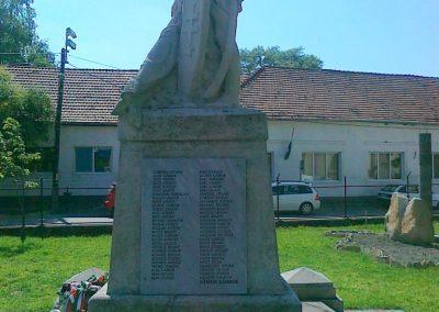 Solt I.vh emlékmű 2010.07.13 küldő-Csiszár Lehel (4)